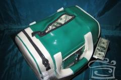 """Торт """"Спорт сумка с деньгами"""""""